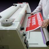 Auch Laminierungen können in der Druckabwicklung von uns für Sie umgesetzt werden.